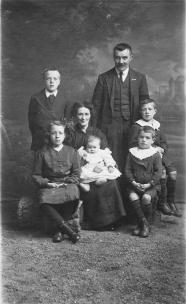 Annal family of Edinburgh, 1916